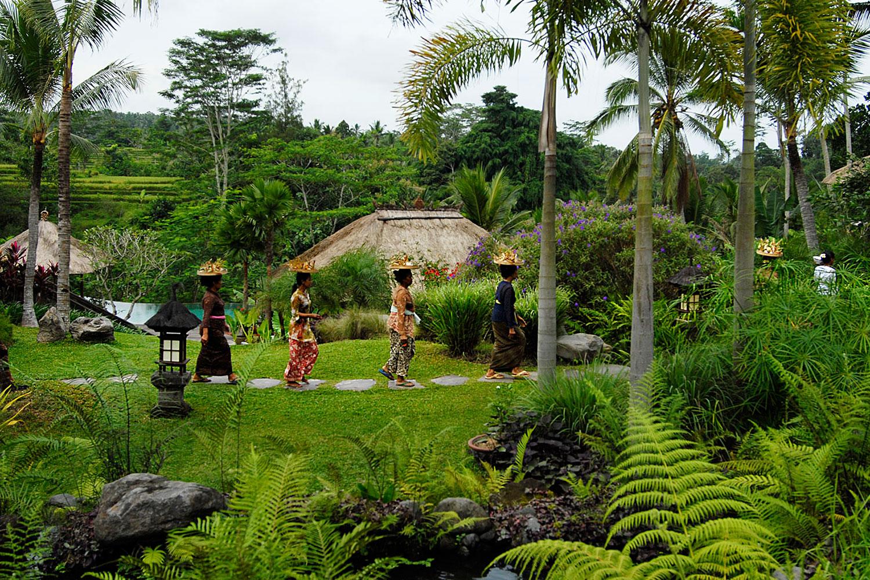 villabayad_ubud_garden_offering