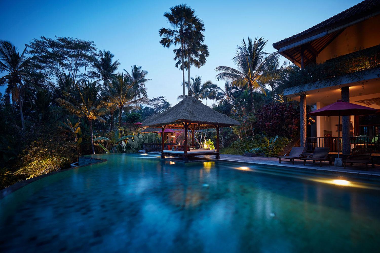 villabayad_ubud_pool_night