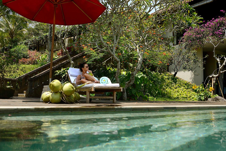 villabayad_ubud_pool_sun_drink_relaxing