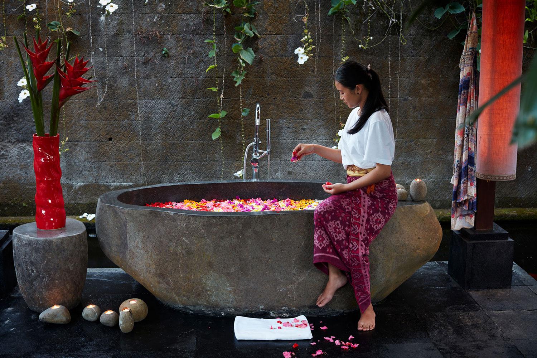 villabayad_ubud_spa_flower_bath